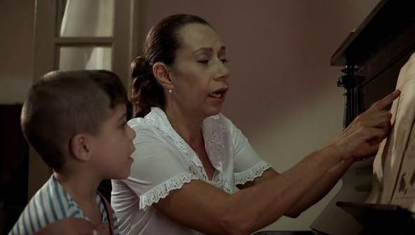 Boy in cinema: Eu Me Lembro (2005)