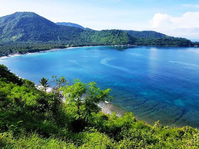 Bukit Malimbu Lombok yang memiliki pemandangan cantik, sumber ig @lolytana