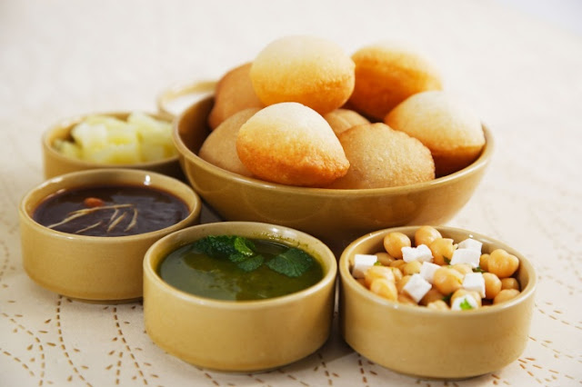 Decorating 8 Golgappa (panipuri) with Red sauce, green chilly sauce