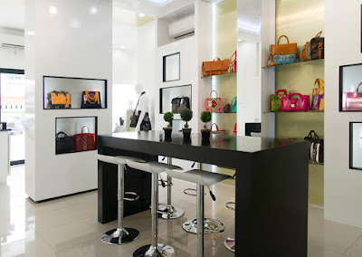 Warnatasku Gallery shop display showcase interior kitchen set kontraktor pameran booth