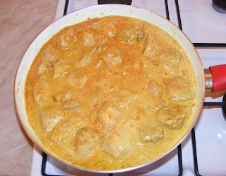 Preparare porc in sos de curry retete culinare,