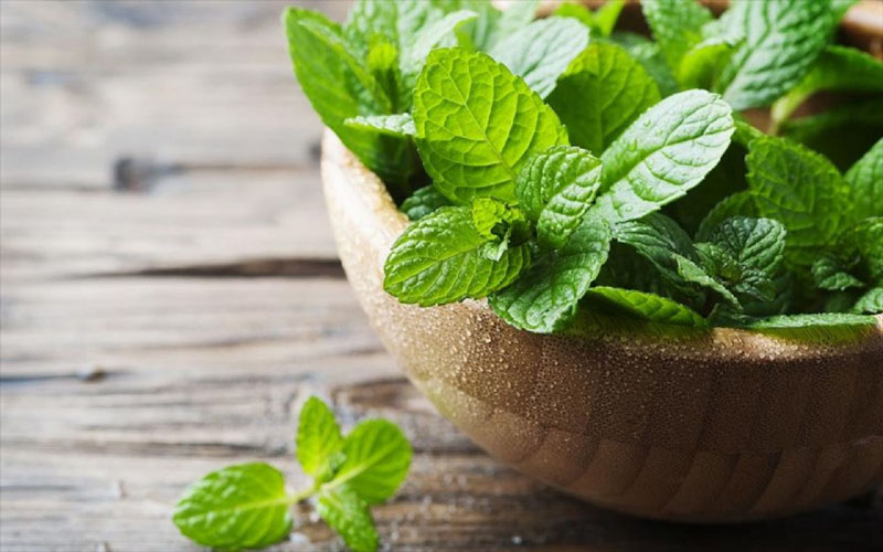 7 Foods That Can Help Soothe a Cough