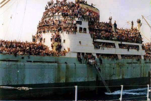 Người VN tị nạn CS, nay đổ tiền về VN cho Đảng VC xài...