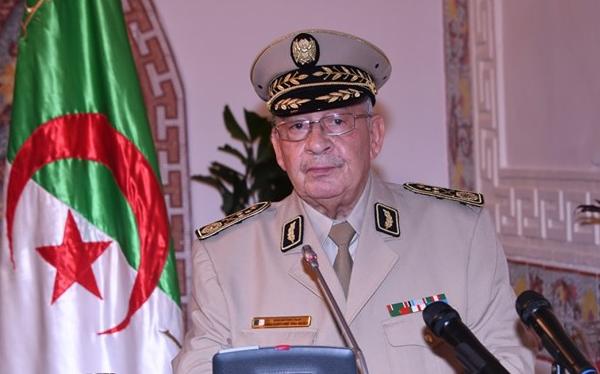 """قايد صالح : """" الجيش ماض في نهجه لتأمين و تعميم الأمن والأمان لشعبنا الأصيل"""""""