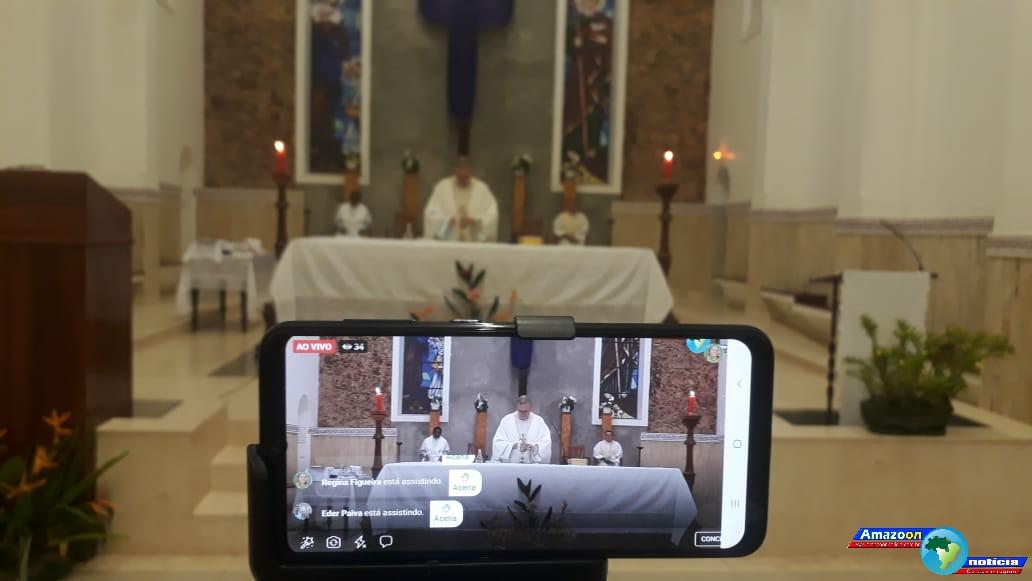 Missa de Lava-pés foi transmissão pela internet na página do Amazoon Notícia e Diocese de Óbidos.