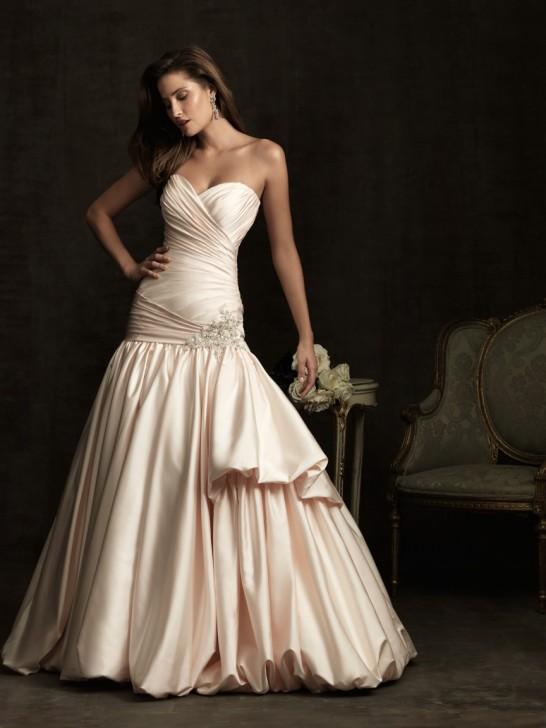 Sommer Brautkleid Online Blog Die Tradition Des Hochzeitskleid