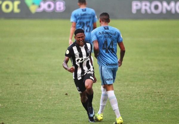 Ceará bate Grêmio