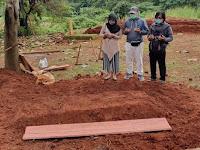 Viral Sedihnya Wanita yang Ibunya Wafat Karena Corona Dikubur Tanpa Pelayat