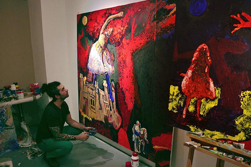 Макс Сір у своїй студії в Берліні