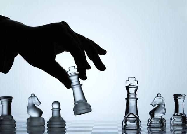 Οι στρατηγικές μας επιλογές και η εθνική υποτέλεια