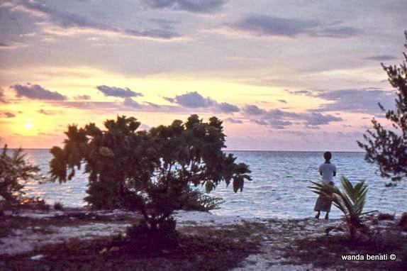 Tramonto su una spiaggia delle Maldive