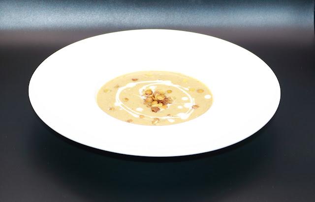 Lentils cream soup