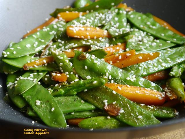 Młode warzywa z woka - Czytaj więcej »