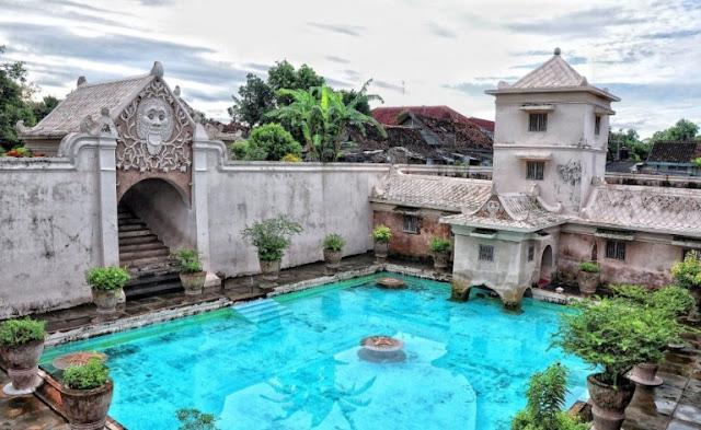 Mitos pantangan taman sari Yogyakarta