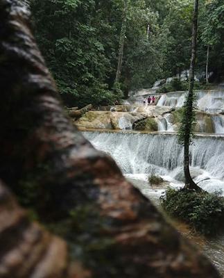 Jalan -Jalan Ke Air Terjun Seribu Pesona Moramo Kendari
