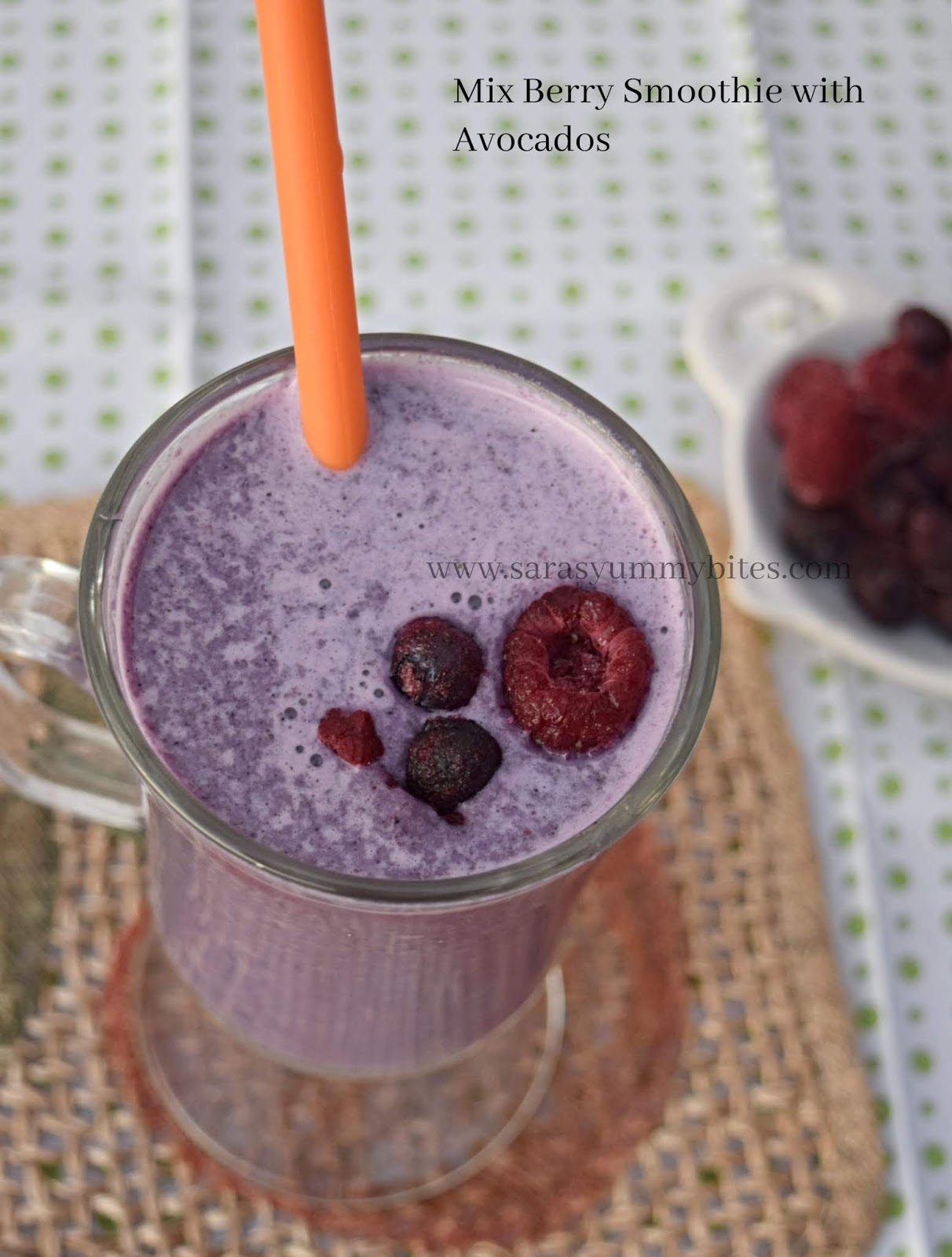 Mix Berry Smoothie with Avocados