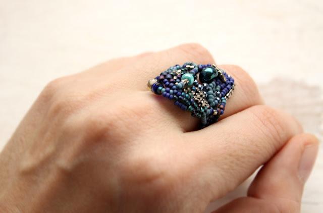 купить необычные синие кольца ручной работы украшения  из бисера