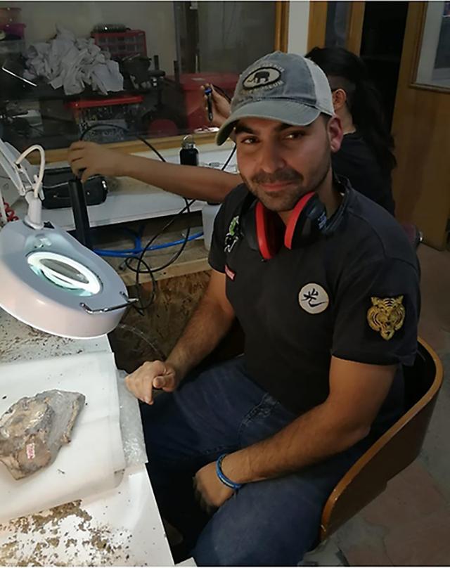 La investigación de este espécimen, publicada en la revista Acta Palaeontologica Polonica, fue liderada por el investigador de la Red Paleontológica de la U. de Chile, Jhonatan Alarcón.