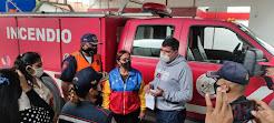 Jehyson Guzmán entregó camión contra incendio a bomberos de Tulio Febres Cordero