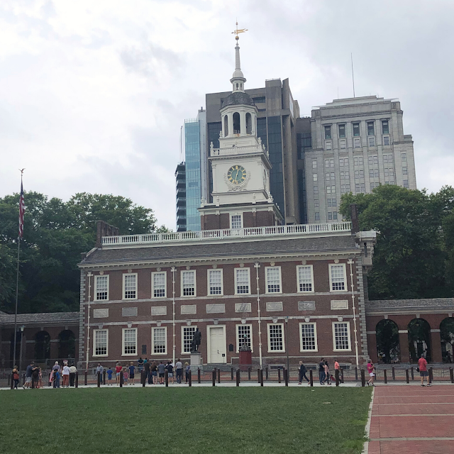 Admiring Independence Hall from the lawn.