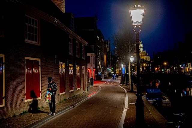 How does Amsterdam's red-light district look like right now?