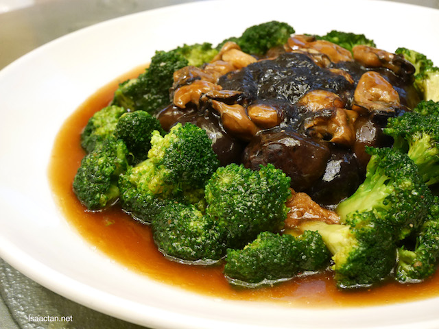 Braised Abalone, Sea Cucumber, Sea Moss and Seasonal Vegetable with Superior Oyster Sauce