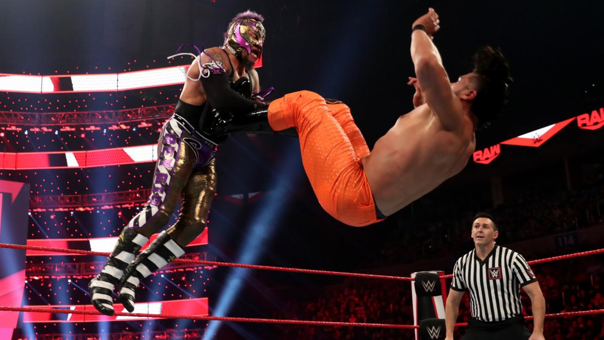 Rey Mysterio diz que Andrade lembra muito Eddie Guerrero