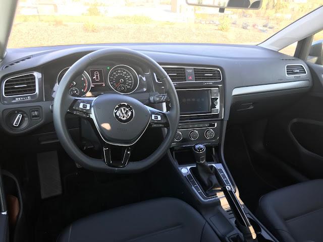 Instrument panel in 2020 Volkswagen Golf TSI