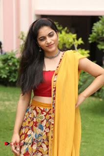 Actress Punarnavi Bhupalam Pictures at Yentha Pani Chesave Sireesha Movie Logo Launch  0180.JPG