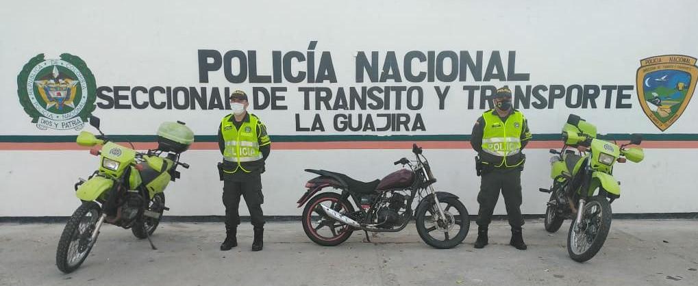 https://www.notasrosas.com/Seccional de Tránsito y Transporte de la Policía Nacional, realiza operativos en vías guajiras