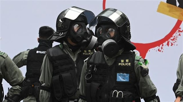 Hong Kong protesters attack, injure riot  policemen in head