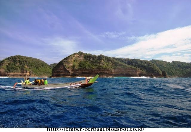 eksotisme pulau nusa barong