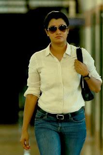 Malayalam actress Reenu mathews in jeens