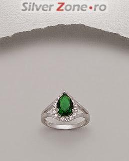 inel din argint cu piatra de zirconia verde