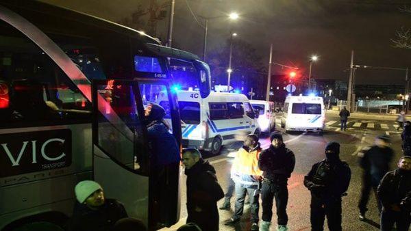 Policía francesa desmantela campamento de refugiados en París