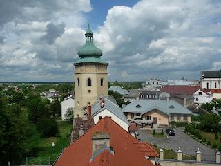 Жовква. Ратуша. Годинникова вежа. Вигляд на середньовічне місто