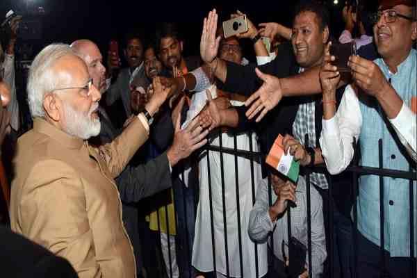 pm-narendra-modi-warm-welcome-in-america-indians-happy