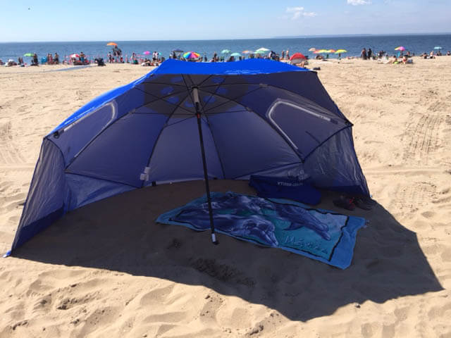 We have been considering getting an umbrella awhile ago and have been doing research. And in researching beach umbrellas we can across a beach tent for ... & Travel Gadget Review - Large Beach Umbrella |Travel Tech Gadgets