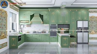 Tủ bếp chữ u dát vàng màu xanh lá