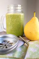 http://cookalifebymaeva.blogspot.fr/2015/09/green-smoothie-vegan-poires-graines-de-chia-cardamome.html