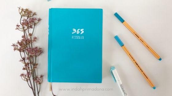 review 365 planner, review planner, planner of the year, bullet journal, jurnal harian, membuat jurnal, mencatat jadwal harian, planner untuk pemula