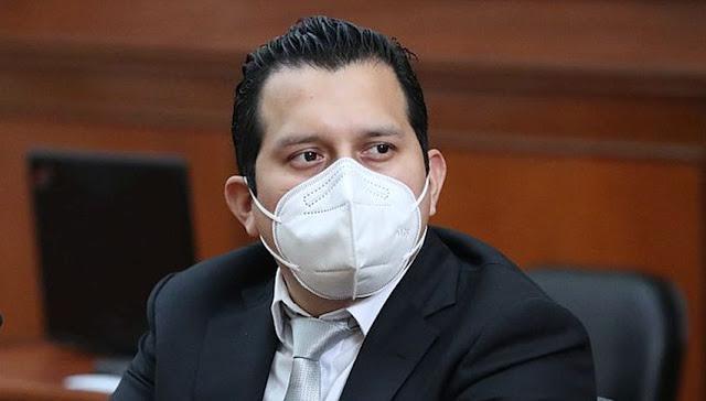 José Luna Morales, firmo cheques de Telesup siendo congresista
