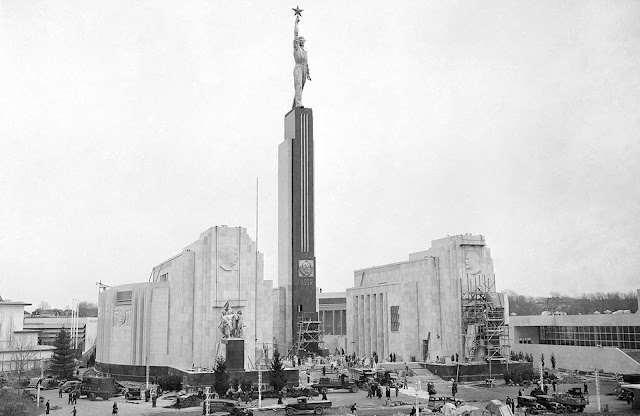 The Soviet pavilion at the New York World's fair, one of the last exhibits to be completed for opening of the exposition on April 30, 1939. A theater and a restaurant are incorporated in the semi-circular structure, and the exhibits and activities are designed to show the Russia's peoples.