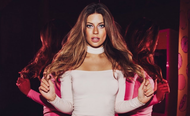 Hannah Stocking Age, Net Worth, Height, Bio| GTXbuddy