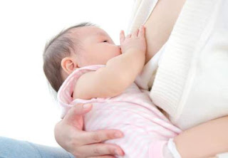 Posisi Menggendong Bayi Yang Baru Lahir Dengan Benar