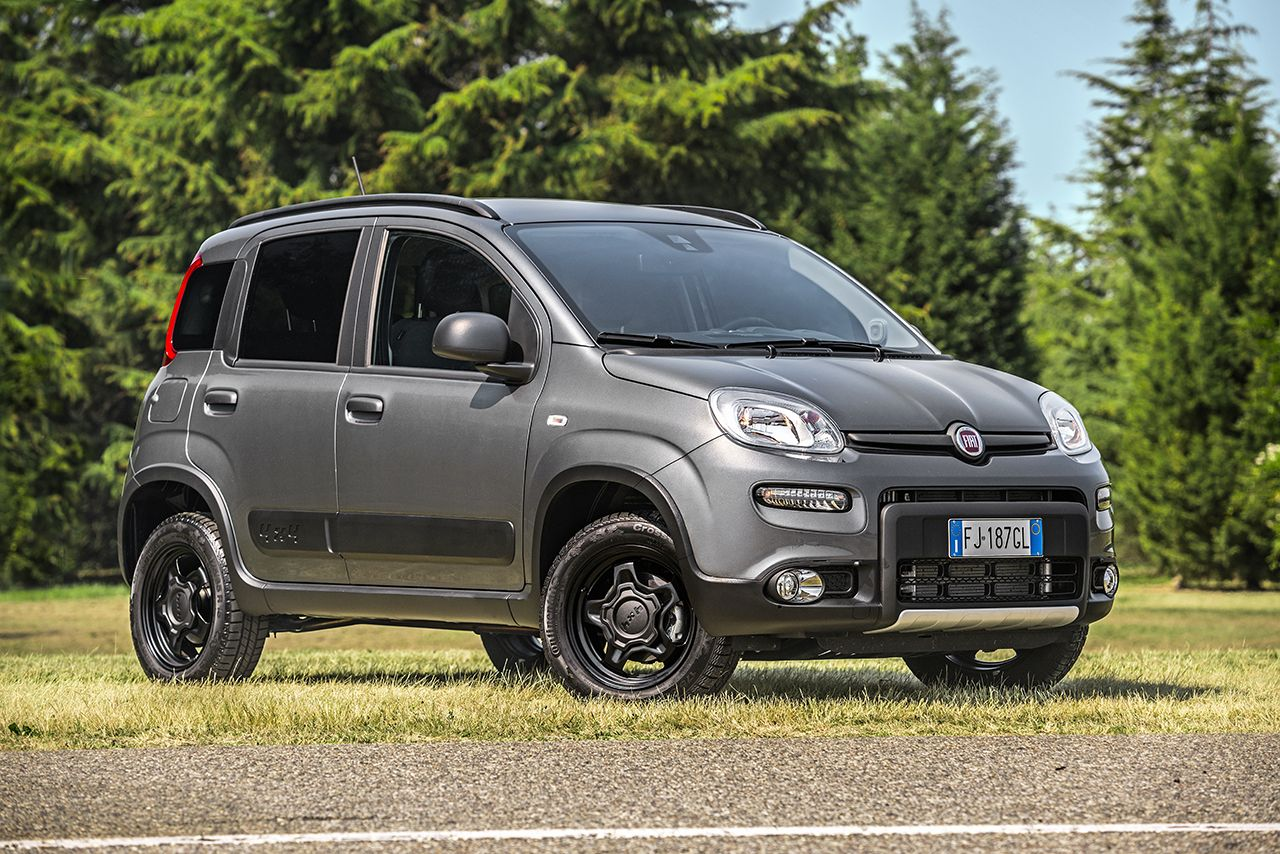 Fiat nuova panda 4x2 city cross e nuova 4x4 debuttano in for Panda 4x4 youtube