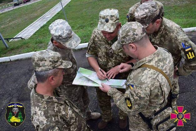 У Золотому-4 з'явилися представники українських правоохоронних органів - штаб