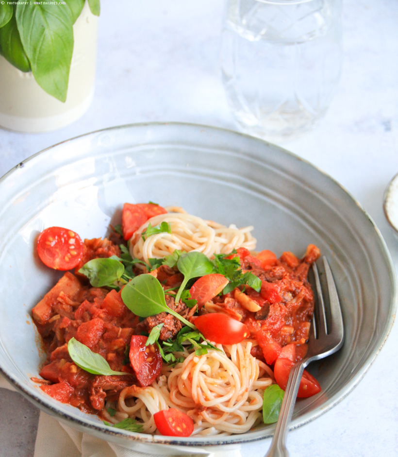 pasta with vegan Bolognese | whatinaloves.com