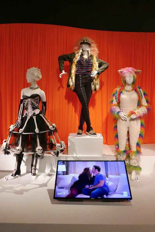 Crazy Ex-Girlfriend season 4 costumes