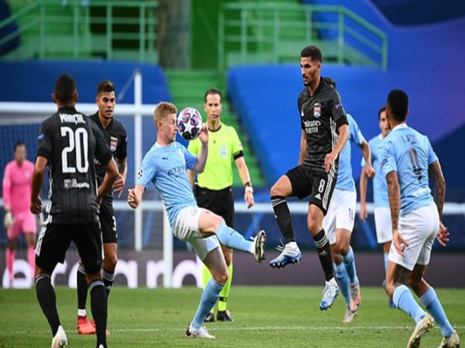 """Video Man City - Lyon: """"Động đất"""" không ngờ, người hùng dự bị"""
